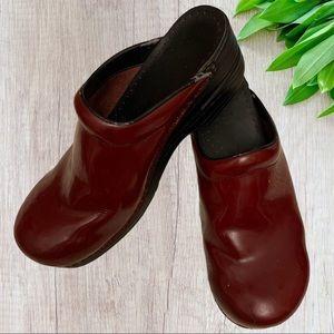 Dansko 42 Professional Red Clogs Mule Shoes